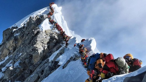 mount everest traffic jam.jpg